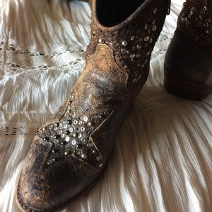  Frye HTF Star Studded Leather Boots 7.5 
